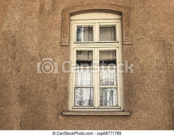 窓 カーテン 上げ下げ