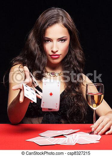 ギャンブル, 女, 赤いテーブル - csp8327215