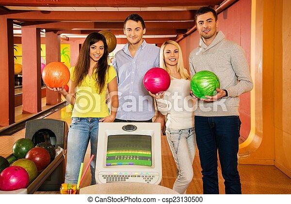 クラブ, ボウリング, グループ, 若い人々 - csp23130500