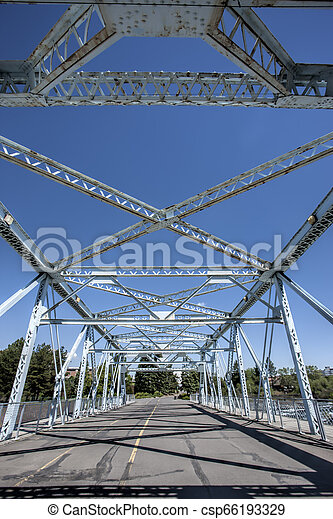 スチール梁, bridge. - csp66193329
