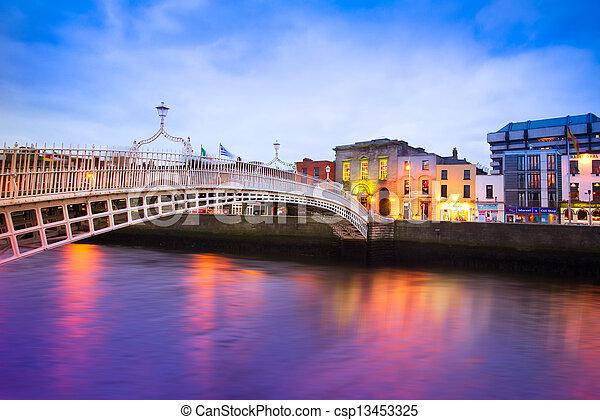 ダブリン, アイルランド - csp13453325