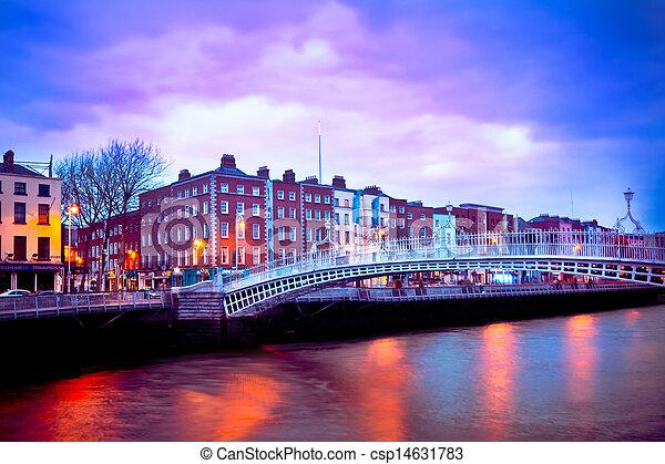 ダブリン, アイルランド - csp14631783