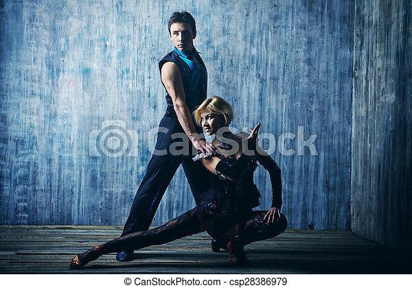 ダンス, アメリカ人, ラテン語 - csp28386979