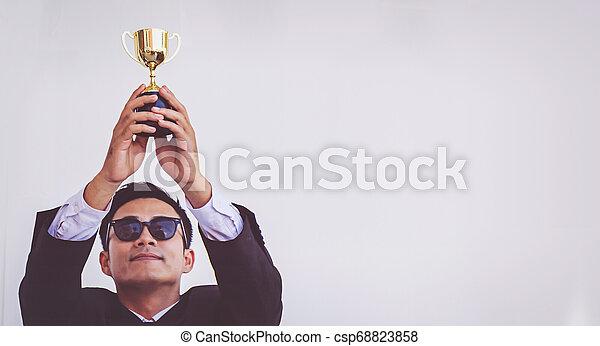トロフィー, 概念, 保有物, 成功, ビジネスマン - csp68823858