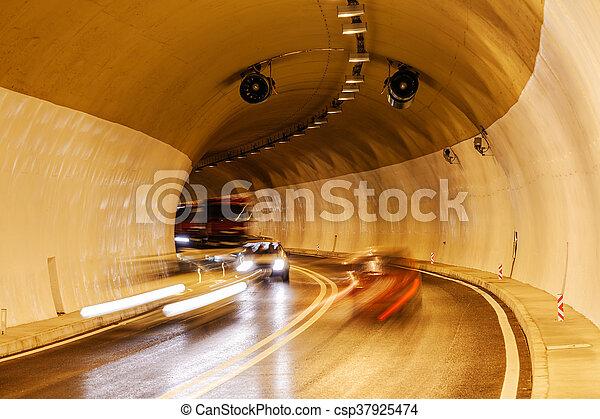 トンネル, ライト - csp37925474