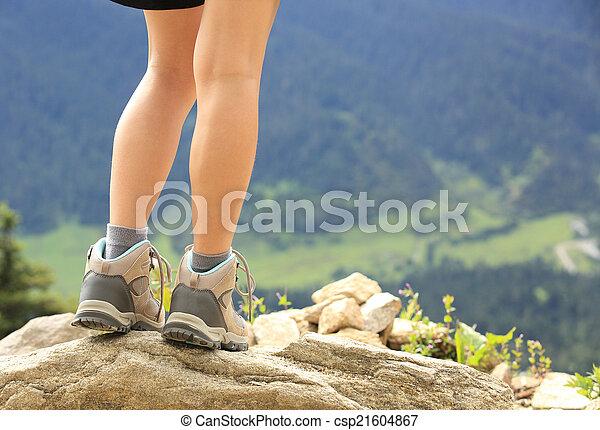 ハイキング, ピークに達しなさい, 足, 山 - csp21604867
