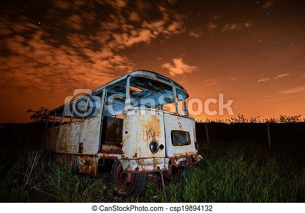 バス, 夜 - csp19894132