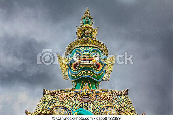 バンコク, 保護者, phra, 悪魔, 曇り, 仏, エメラルド, タイ, ワット, kaew, 寺院, 空 - csp58722399