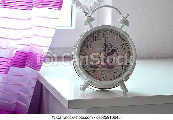 ピンク, 生活, ロマンチック, 目覚し 時計, カーテン, まだ - csp25916645