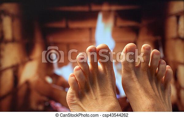 フィート, 暖炉, 加熱された - csp43544262