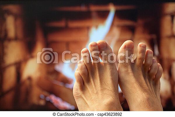 フィート, 暖炉, 加熱された - csp43623892