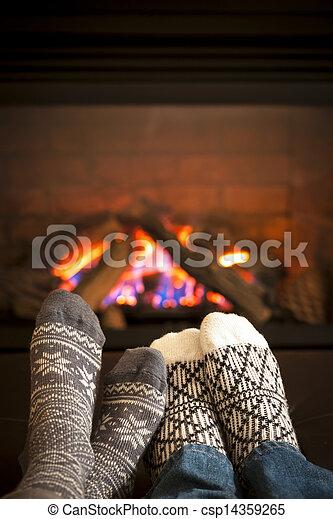 フィート, 暖炉, 暖まること - csp14359265