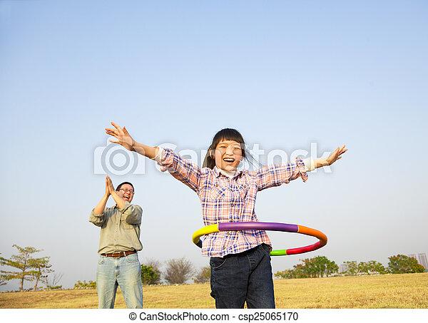 フラダンス, 遊び, 子供, 屋外で, たが, 幸せ - csp25065170
