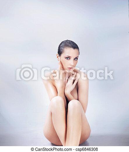 ブルネット, 若い, 裸である, かわいい, ポーズを取る - csp6846308
