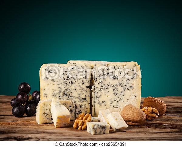 ブルーチーズ, 木 - csp25654391