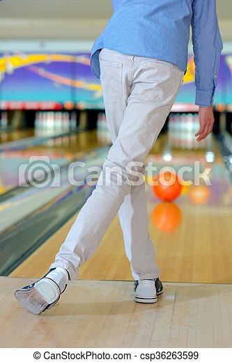 ボーリング競技者 - csp36263599