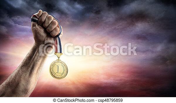メダル, -, 場所, 手, 最初に, 勝利, 概念 - csp48795859