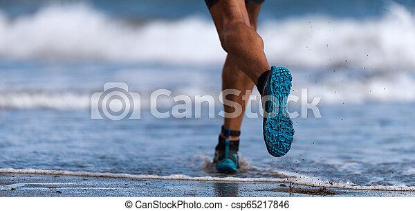 ランナー, 運動選手, 動くこと, 海, 波 - csp65217846