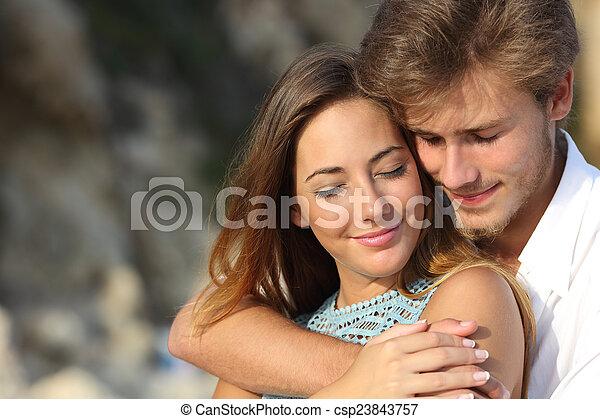 ロマンス語, 恋人, 感じ, 愛, 抱き合う - csp23843757