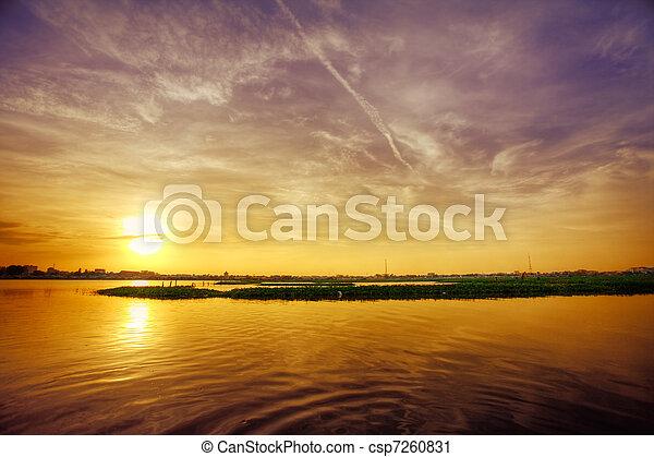 上に, 日没, 湖 - csp7260831