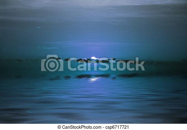 上に, 月, 海洋 - csp6717721