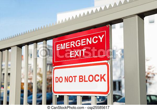 不, 出口, signboard, 塊, 緊急事件 - csp25585617