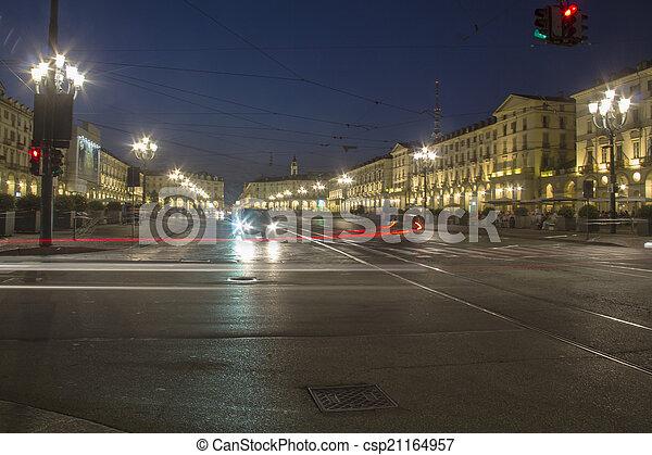 交通, 夜 - csp21164957