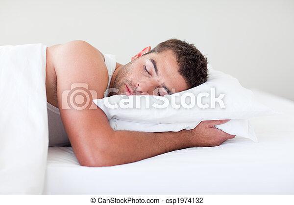 人, ベッド, 睡眠 - csp1974132