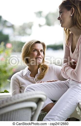 会話, 娘, 母 - csp2412660