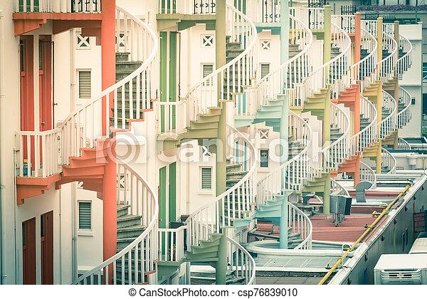 伝統的である, 階段, 店, 家, カラフルである, らせん状に動きなさい, 虹, シンガポール - csp76839010