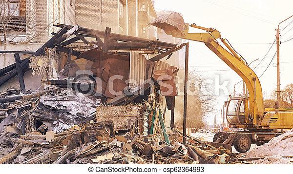 使うこと, 装置, rebuilding, city., 家, 取除きなさい, process., 掘削機, 破壊 - csp62364993