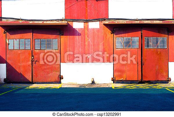 倉庫, ドア, 赤 - csp13202991