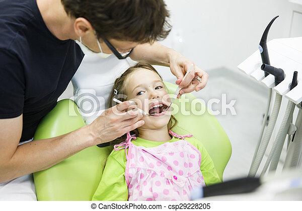 健康診断, 患者, 彼女, 歯医者の, レギュラー, 子供 - csp29228205