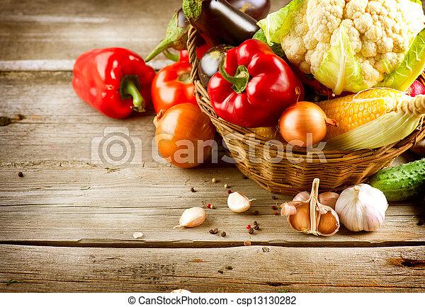 健康, 生物, 有机的食品, vegetables. - csp13130282