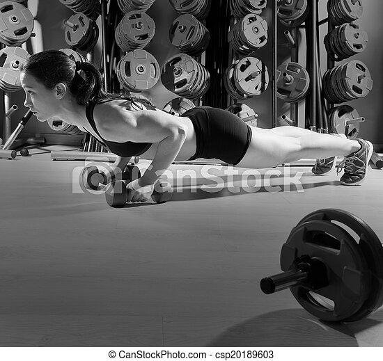健身, 測驗, dumbbells, 俯臥撐, 婦女 - csp20189603
