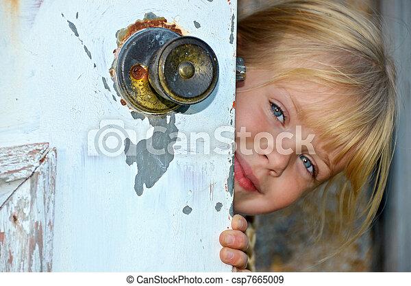 偷看, 女孩, 門, 大約 - csp7665009