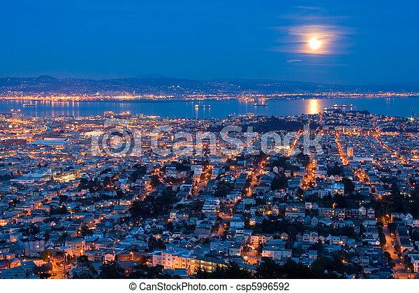 充分, 空中, san, peaks., 在上方, 月亮, 雙生子, 上升, francisco., 看法 - csp5996592