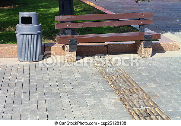 公園のベンチ - csp25128138