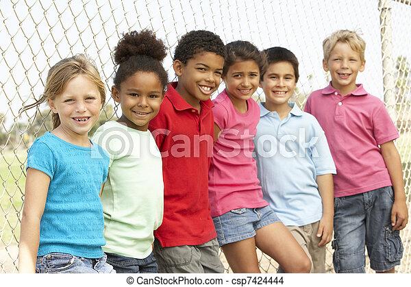 公園, グループ, 遊び, 子供 - csp7424444