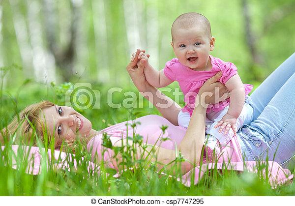 公園, 春, シラカバ, 娘, 母 - csp7747295