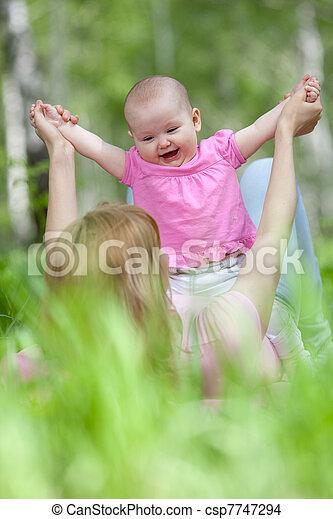 公園, 春, シラカバ, 娘, 母 - csp7747294