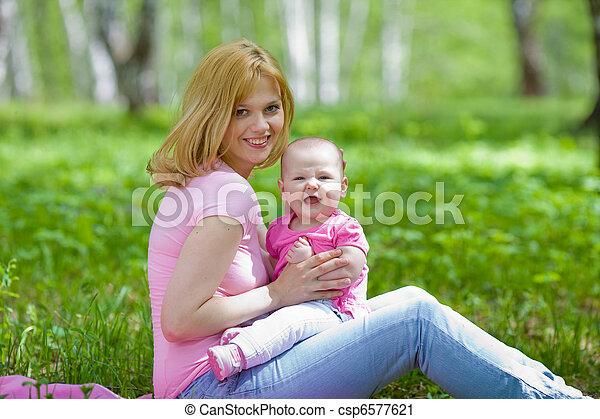 公園, 春, シラカバ, 娘, 母 - csp6577621