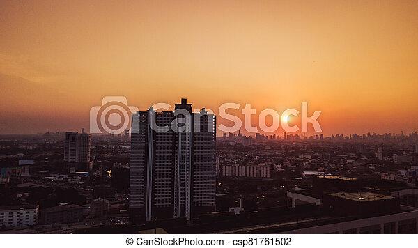 写真, 高い 角度, 風景, 光景, 航空写真, 日没, 都市 - csp81761502