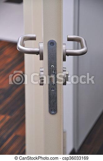 出口, 門, 緊急事件 - csp36033169