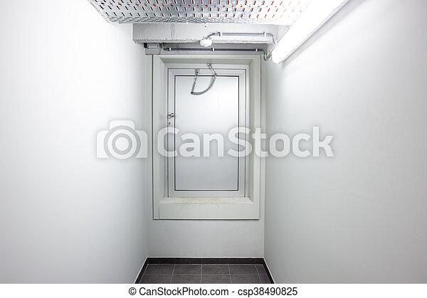 出口, 門, 緊急事件 - csp38490825