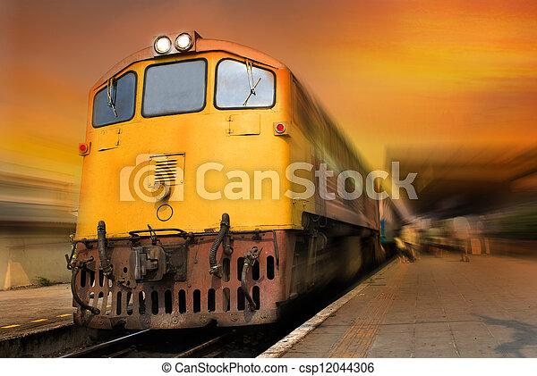 列車 - csp12044306