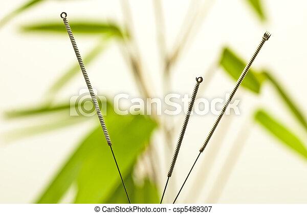 刺鍼術の 針 - csp5489307