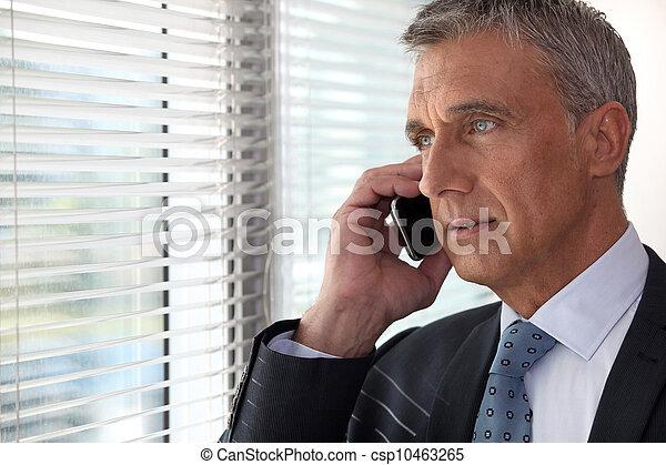 前部, 電話, 窓, 経営者 - csp10463265