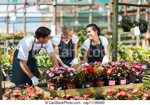 労働者, 託児所, 庭, 仕事 - csp11198450