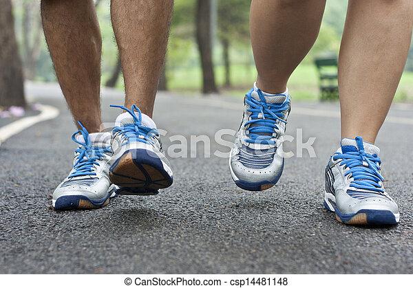 動くこと, スポーツの靴 - csp14481148